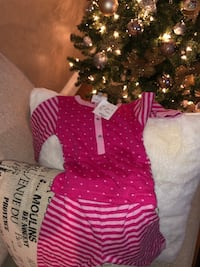Baby clothes  585 km