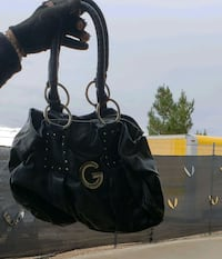Guess black handbag Apple Valley, 92308