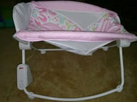 baby's pink and white bouncer Hyattsville, 20782