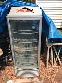 Gray Redbull commercial refrigerator needs to be recharged with Freon 50.00 as is Sterling, 20164