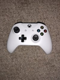 Xbox one s with controller Milford, 45150