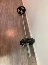 7 foot Olympic Barbell, and ez bar with plates Toronto, M1M 1J1