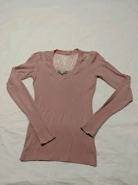 Pink long sleeve sweater with lace size small Calgary, T2E 0B4