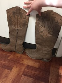 Cowgirl boots women's  Fort Washington, 20744