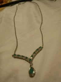 green and silver pendant necklace Rochester, 98579