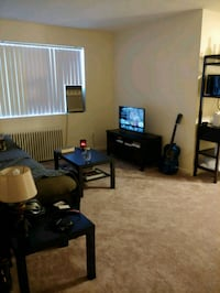 1 week free rent - APT For Rent 1BR 1BA Arlington, 22204