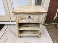 Table / Nightstand/ End table  Nashville, 37210