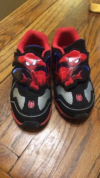 Toddler boy's black-and-red spider-man running shoes