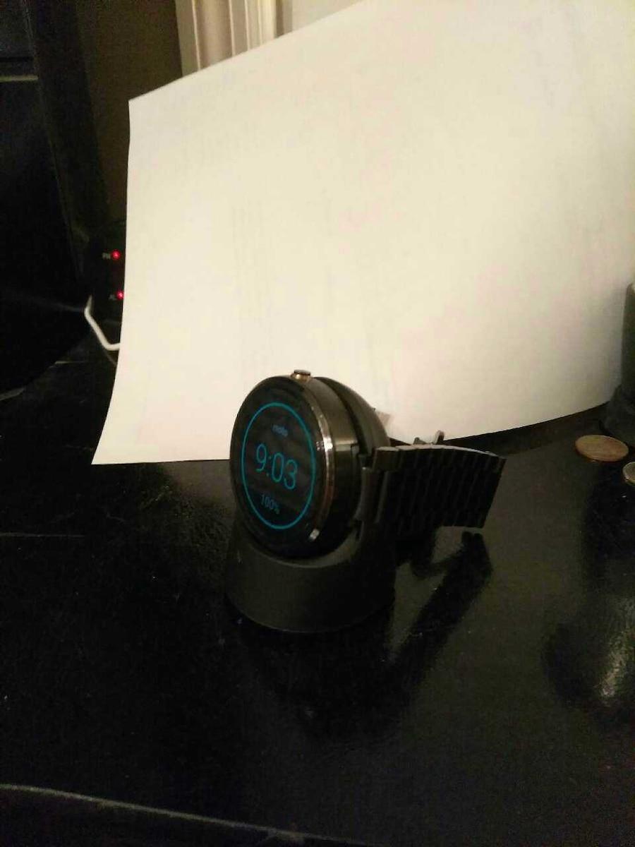 Moto smart watch in great shape just tp big for my - Cumberland