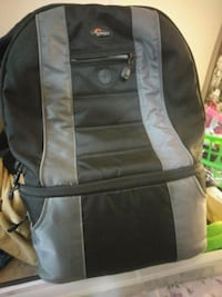 Barely used camera bag backpack Division No. 8, T4S 2K5