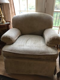 Arm chair - beige chenille  Springfield, 22150