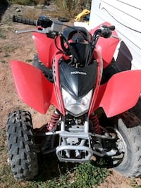 Honda 4 wheeler 2006  only around 40 hours of drive time, has title.  Albuquerque