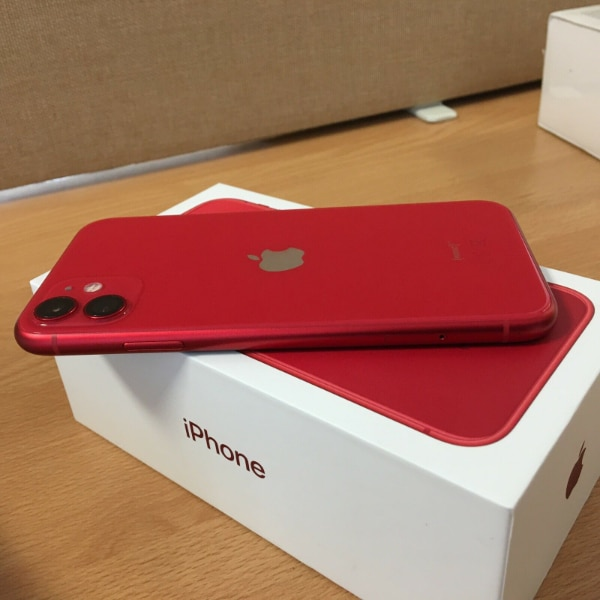 New Apple iPhone 11 (PRODUCT)RED 67044335-b7e9-4a99-a646-42aadb41a54c