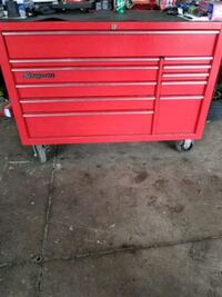 red Snap-on tool chest ..negociable  Falls Church, 22042