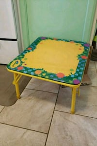 Crayola kids folding table Linthicum Heights, 21090