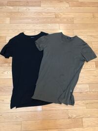 Zara zipper t shirt - size medium Toronto, M4M 2P6