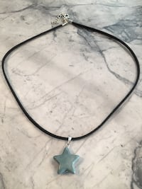 Cute Star Necklace, Never worn