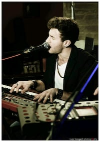 Italian Singer/Pianist/Perform Available For Event Toronto