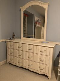 Stanley Chest of drawers with mirror