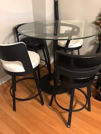 Glasstop Table & 4 Chairs Mississauga, L5V 0C4