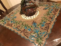 Table runner/table cover