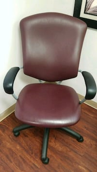 black leather padded rolling chair Great Falls, 22066