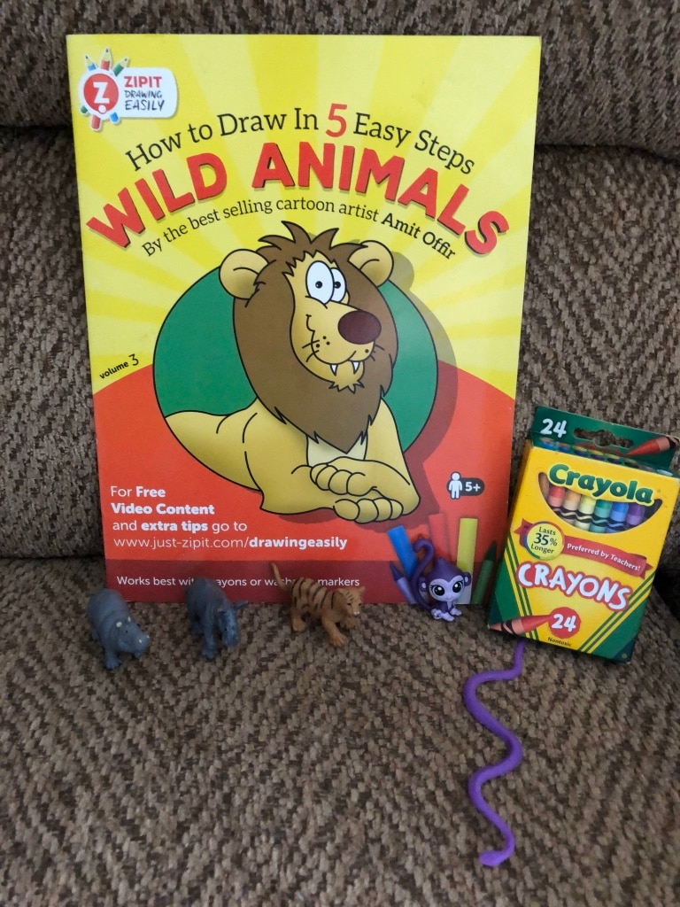 Photo Learn how to draw wild animals with crayons and accessories