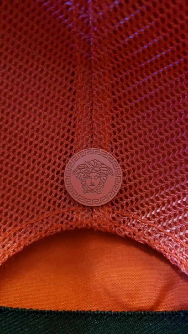 VERSACE HAT RED WITH GOLDEN SIZE XL ITALY NEW b7e986ae-46c9-448e-8d2d-cce626a299c1