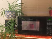 Look At This Black Beauty ! Fridgaire Countertop Microwave In Black 1100 Watts Edmonton, T6R 0L1