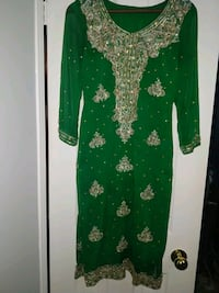 green and white floral long-sleeved dress Mississauga, L5M