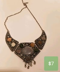 gold and black gemstone pendant necklace Vancouver, 98662