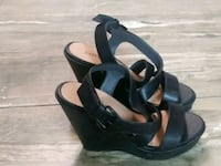 Black wedge strappy shoes Houston, 77091