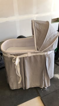 Baby's white bassinet Rio Rancho, 87144