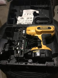 Dewalt nailer  Pickering, L1V 1K7