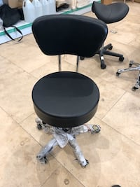 Brand new hydraulic spa manicure rolling stool with backrest! 多伦多, M4K 1K4