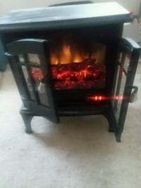Electric heater works! Holtsville, 11742