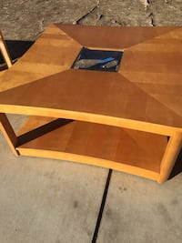 Square light brown wooden coffee table 2247 mi
