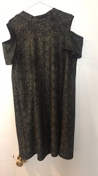 Black and gold size large worn 2 times shift style