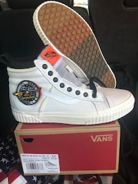 DS Brand new Size 9.5 Vans Sk8 Hi Woodbridge, 22191