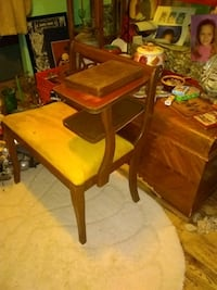 Antique telephone/ gossip seat Allegan, 49010