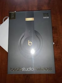 Beats Studio 3 wireless Brand New from Apple Store