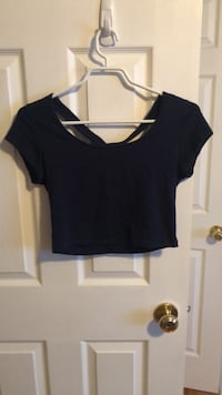 black scoop-neck cap-sleeved shirt Guelph, N1L 1T4