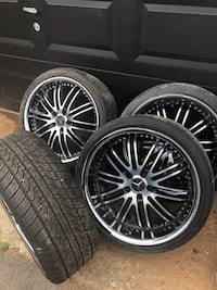 """20"""" STAGGERED MERCEDES RIMS"""