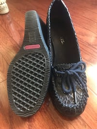 Navy blue snake skin pattern size 7 and worn slightly very good  Sewell, 08080