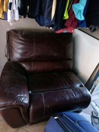 brown leather recliner sofa chair Los Angeles, 91605