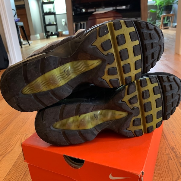 Used Air Max 95 Neon Size 10 For Sale In Metuchen Letgo