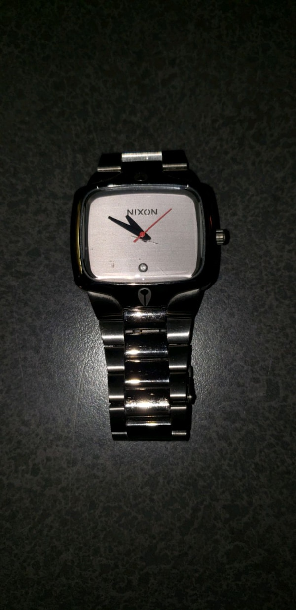 Nixon the player watch new battery  9