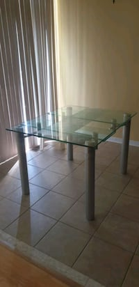 Tempered glass dining table Toronto, M3K 0A5