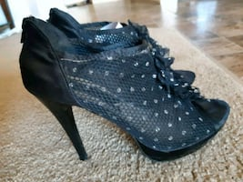 Beautiful Open toe Black net heels
