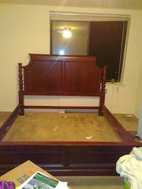 King bedframe very sturdy great quality furniture  Washington, 20020